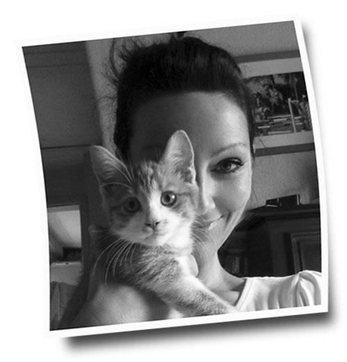 Katja Sauer und Katze Mausi - Tierportraits und Tierzeichnungen