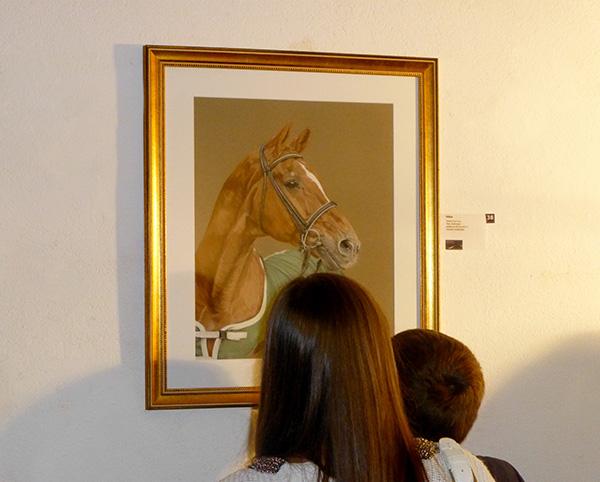 """Ausstellung im Alten Dampfbad in Baden-Baden - Dressurpferd """"Weltmeyer""""  in Pastellkreide von Katja Sauer"""