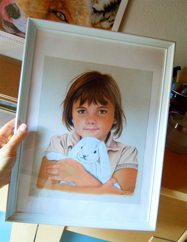 Kinderportraitzeichnung von Katja Sauer in Pastellkreide (24 cm x 30 cm)